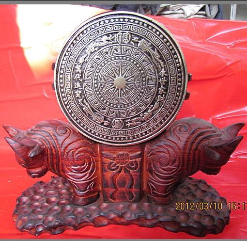 广西铜鼓,16公分双牛头实木底座广西铜鼓礼品