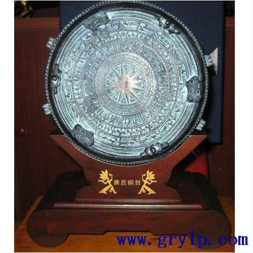 广西铜鼓,18公分青铜广西铜鼓批
