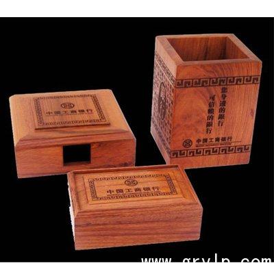 南宁红木工艺品非洲酸枝木雕刻三